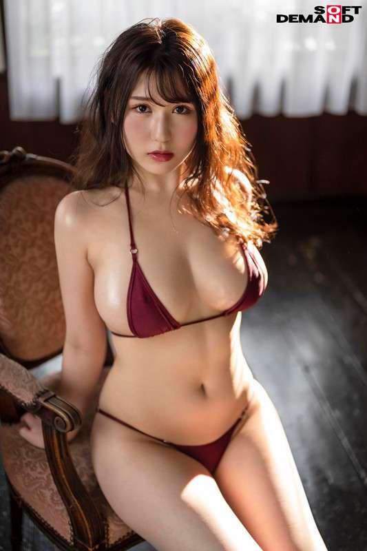 前田桃杏の水着