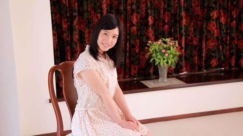 古川いおりワンピースで笑顔